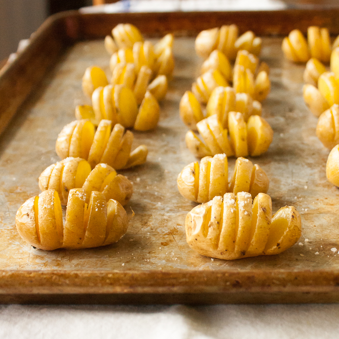 Warm, crispy-skinned, salty snacks topped with cottage cheese. These Protein Packed Mini Potato Fans take only 4 minutes to slice into healthy hasselback's! | @TspCurry For more healthy recipes: TeaspoonOfSpice.com