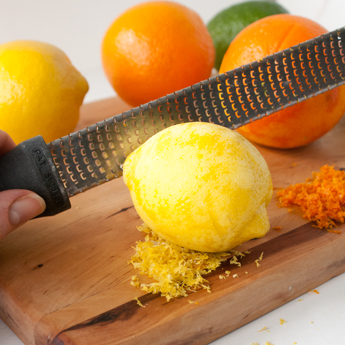 THE TRICK TO GET MORE FLAVOR WHEN GRATING LEMON PEEL | @TspCurry - For more #HealthyKitchenHacks - TeaspoonOfSpice.com