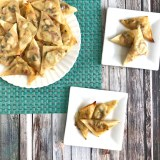 Enjoy the flavors Philly chicken cheesesteaks loaded with veggies in wonton wrappers - the perfect appetizers for football game day! Recipe at Teaspoonofspice.com