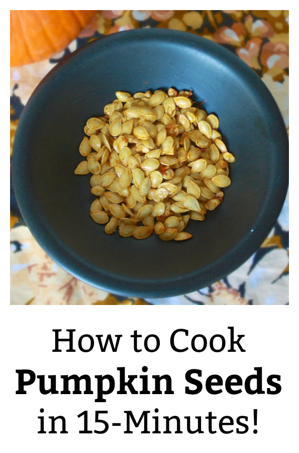 In just 3 easy steps, you can have roasted, crunchy pumpkin seeds in 15 minutes. Here's the simple 'scoop.' HOW TO COOK PUMPKIN SEEDS. More #Healthy Kitchen Hacks at https://www.pinterest.com/tspcurry/