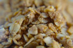 By Alec Perkins from Hoboken, USA (Granola Uploaded by victorgrigas) [CC-BY-2.0], via Wikimedia Commons