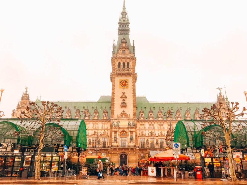 Julemarked i Hamborg, julemarked hamborg, julemarkeder i tyskland, tyskland julemarkeder, julemarkeder i hamborg, hamborg julemarked, jul i hamborg, jul i tyskland, traditionelt julemarked i hamborg, julemarked ved hamborg rådhus, hamborg rådhus julemarked, Hamborg rådhus, julemarked rådhus hamburg