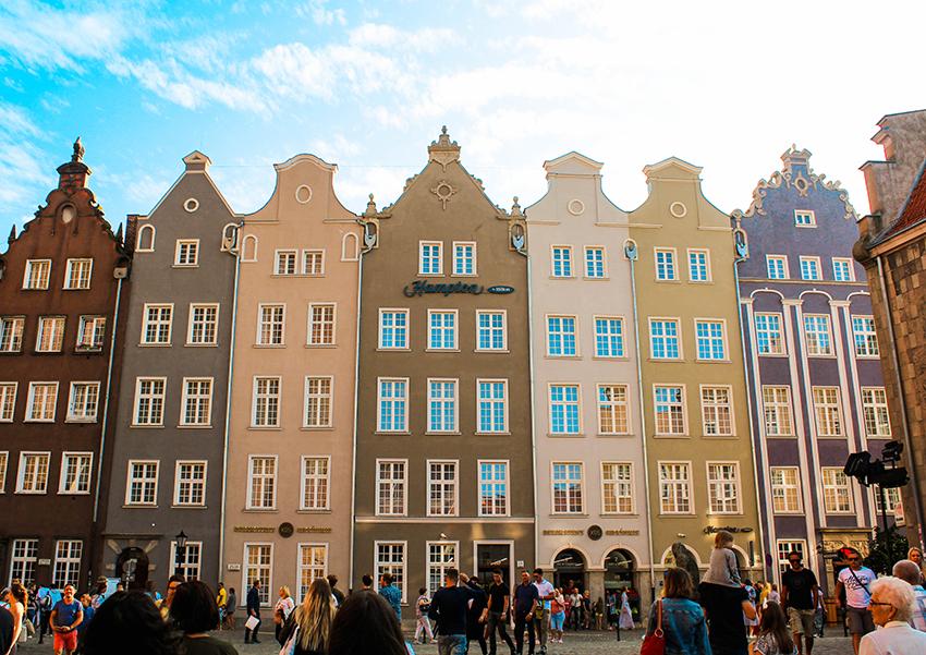 gdansk polen, ferie i Gdansk, guide itl Gdansk, Gdansk guide, billig ferie i europa, skjulte perler i europa, er polen billig, forventninger til polen, Gdansk havn, havnehuse, huse ved havnen, nyhavn kopi,