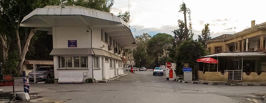 Greenline Cypern, Greenline cyprus, Green line Cypern, grænseovergange på Cypern, Cypern grænseovergang,Cypern guide, Guide til Cypern, Seværdigheder på Cypern, Rejseblog Cypern, gærske side af cypern, tyrkiske side af Cypern, Oplevelser til Cypern, opdeling af Cypern, Ledra Palas, Ledra palace,
