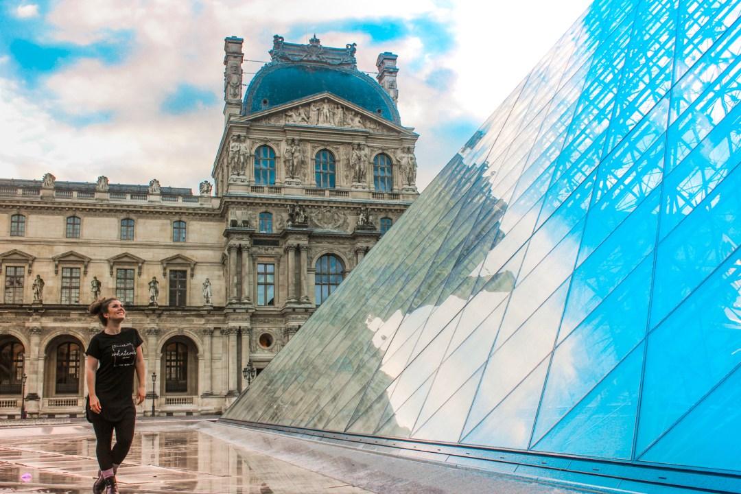 Louvre museum, Fakta om louvre museum, louvre museum paris, seværdigheder i paris, støreste seværdigheder i Paris, hvor er mona lisa, seværdihgeder i Frankring, oplevelser i Paris, oplevelser i Frankring, Rejseblog Paris, Rejseblog Frankrig, danish travelblog, travelbloggers from Denmark, Tea Tougaard rejseblog, rejseblog Tea Tougaard, museer i Paris, Museer i Frankrig, verdens største museum, Glas pyramide, glas pyramide paris,