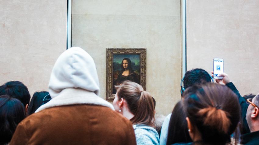 Mona Lisa, Hvor stor er Mona Lisa, Louvre museum, Fakta om louvre museum, louvre museum paris, seværdigheder i paris, støreste seværdigheder i Paris, hvor er mona lisa, seværdihgeder i Frankring, oplevelser i Paris, oplevelser i Frankring, Rejseblog Paris, Rejseblog Frankrig, danish travelblog, travelbloggers from Denmark, Tea Tougaard rejseblog, rejseblog Tea Tougaard, museer i Paris, Museer i Frankrig, verdens største museum
