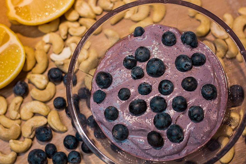 Vegansk dessert, vegansk blåbær mousse, vegansk frugt mousse, blåbær mousse vegansk, vegansk bær mousse, vegan dessert, vegansk opskrift, nemme vegan opskrifter, nemme veganske desserter,
