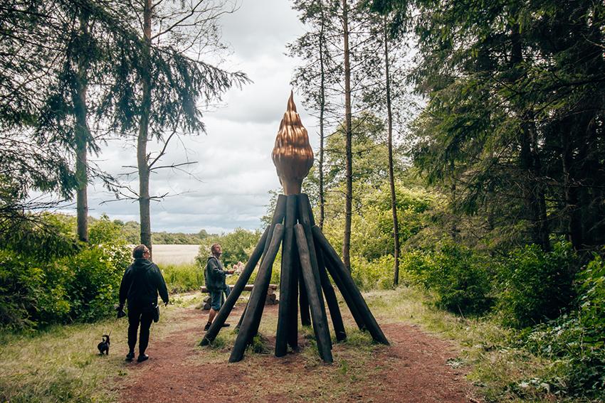 Deep forest art land, kunst skov, skulptur skov, skov med kunst i herning, Kibæk kunst skov,