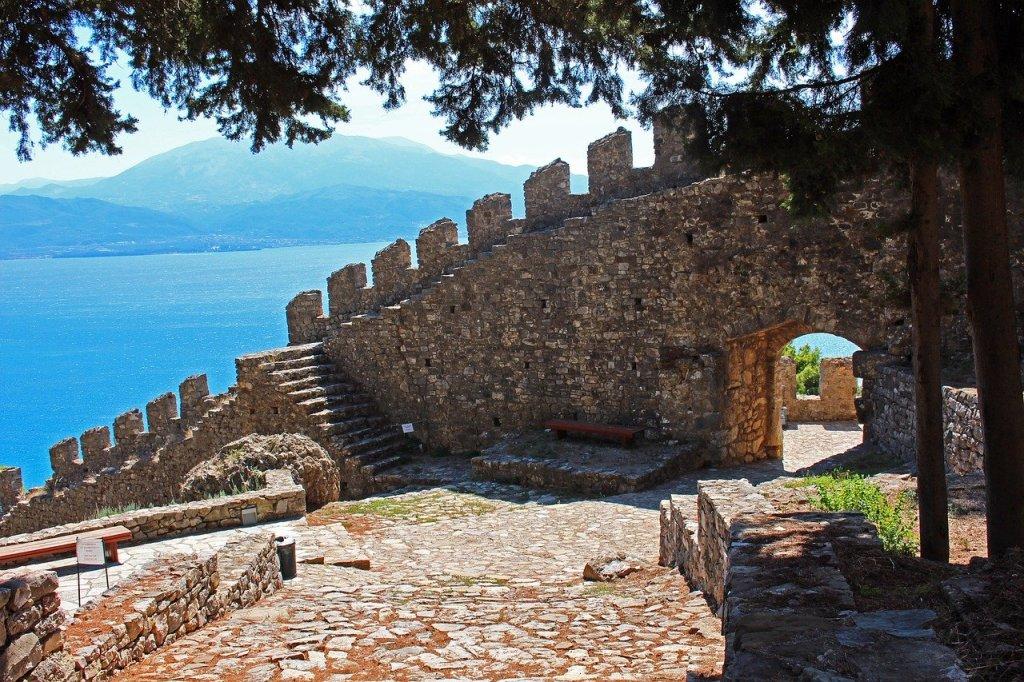 Nafpaktos, nafpaktos grækenland, smukke græske landsbyer, landsbyer i Grækenland, Nafpaktos slot