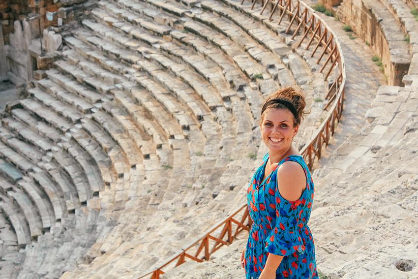 Pamakkale teater, Hierapolis, Hierapolis teater,, Pamukkale Tyrkiet, Pamukkale guide, rejseguide til Pamukkale, seværdigheder ved Pamukkale, Oplevelser i Tyrkiet, Seværdigheder i Tyrkiet