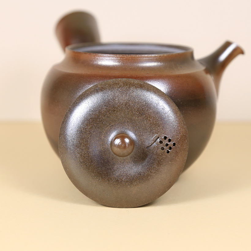 Japanese Tokoname Polished Honey-Brown Teapot lid