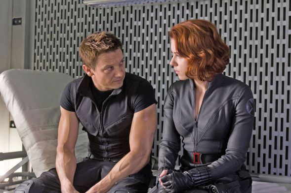 black-widow-hawkeye-avengers (1)