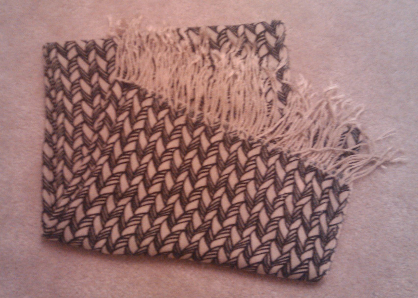 UO- Scarf