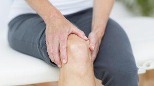 علاج الروماتيزم بدون أدوية. هذه ٤ علاجات منزلية مجرّبة وثابتة طبيّاً لمرضى التهاب المفاصل والروماتيزم