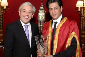 shahrukh-awarded-britain-tecake