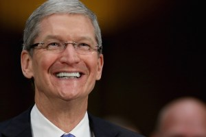 tim-cook-CEO-Apple-Inc-gay-tecake