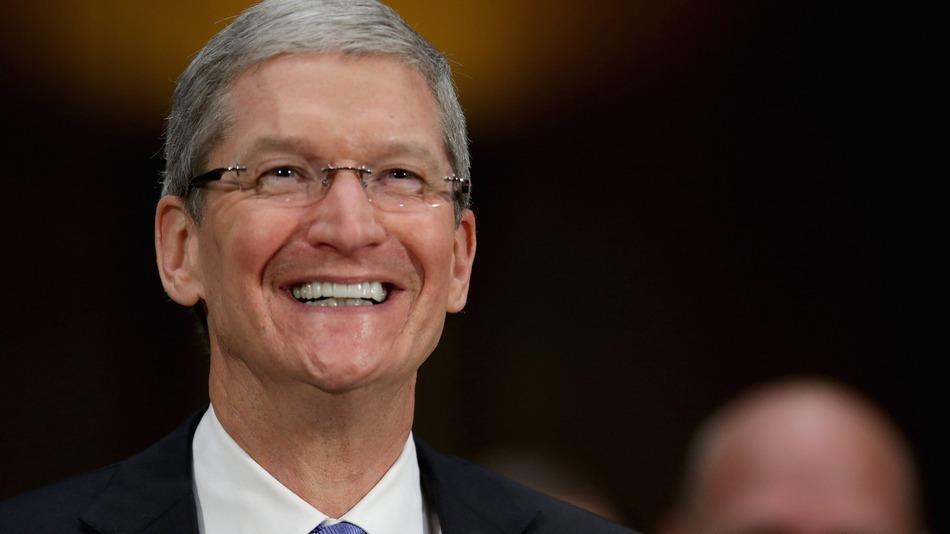 tim-cook-CEO-Apple-Inc-gay-tecake