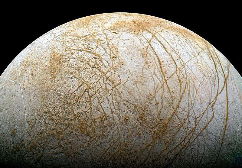 Europa may have hidden liquid ocean to sustain life, new study reveals