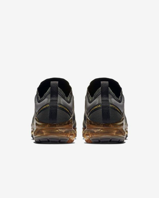 Nike Air VaporMax Negro/Dorado