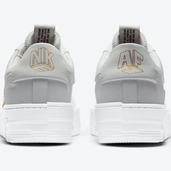 Air Force 1 Pixel Grey Gold Chain