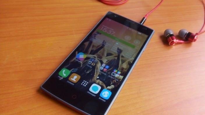 Samsung Galaxy J1 Vs Tecno Boom J7; Which One is Better?