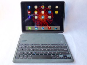 ZeroChroma Keyboard Slide-Lid Case for iPad Air and Air 2: Front Attached View