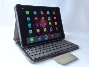 TurnFolio with Keyboard for iPad Air 2- Side View