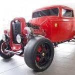 フォード旧車+フェラーリV8エンジンの魔改造