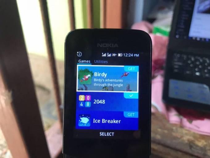 Nokia 8110 4G App Store