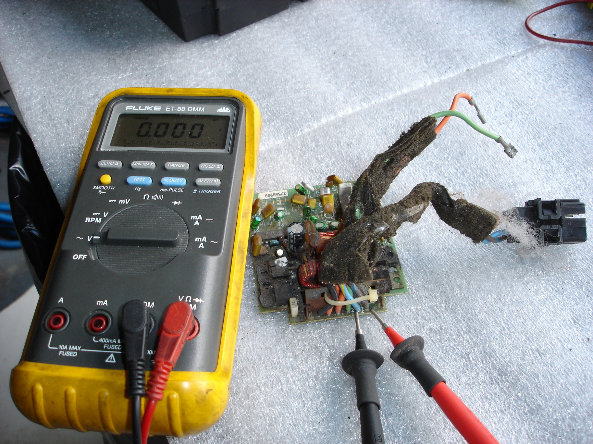 hight resolution of this is the setup required to check the amplifier for proper signal from the radio connect a voltmeter set on low ac voltage to terminals c and d with the