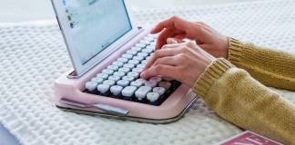 Baby Pink chrome keycaps Elretron Penna Typewriter Wireless Author Writer Roadwarrior Design Modern