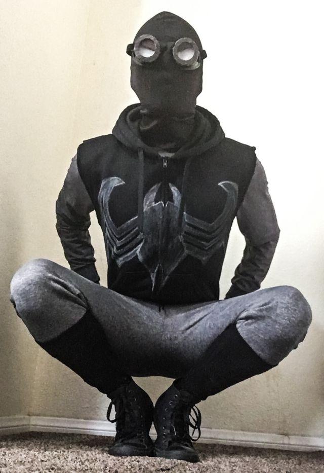 Spiderman Costume Goodwill Sony Contenst Inside Photo Carpet Door Black