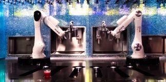 Kuka robot arms las vegas bar tipsy robot