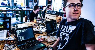 Getac Laptop Notebook Coder Coding Hackathon Jugend Hackt Frankfurt Event Young Programmer Learning CodeFights Startup Finding Job IT Engineer Dev