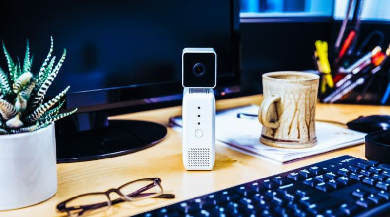 AWS DeepLens is the world first deep learning-enabled wireless video camera built to give developers hands-on experience with machine learning crop