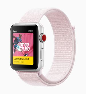 Apple-Watch-Series3_Nike-sports-pink_032118