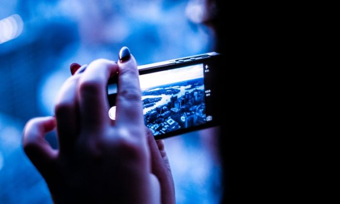 Smartphone Arts Digital Photography Music Visual Women Taking Picture