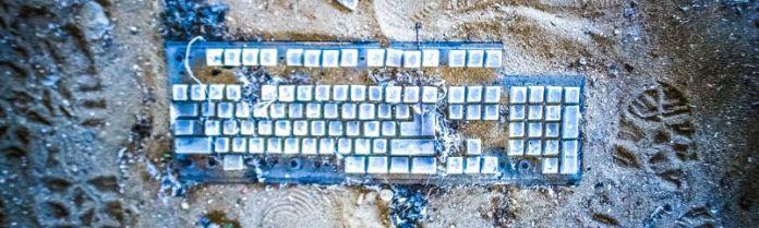 Old Keyboard Trash Hardware Peripherals Beach Broken Technology Password Manager Article Encryption