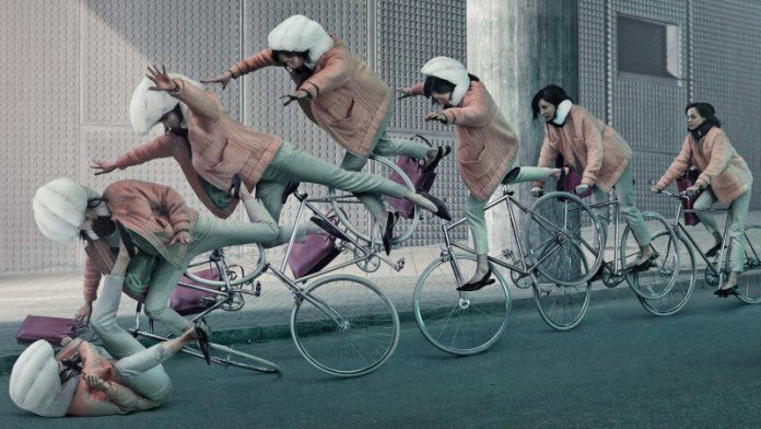 Hövding_Comp_v2_crop-biking-airbag-helmet-innovation-safety-head-protection-cycling