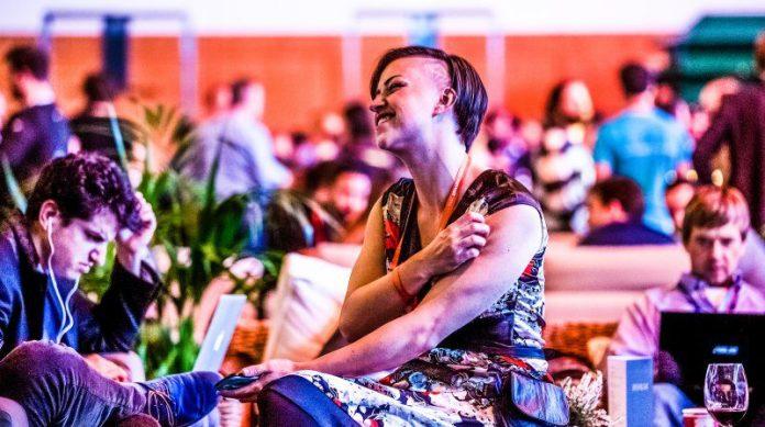 Web Summit Woman Tech Side Shaved Bob Hair Smiling Happy Work Talking Chatting Break Event