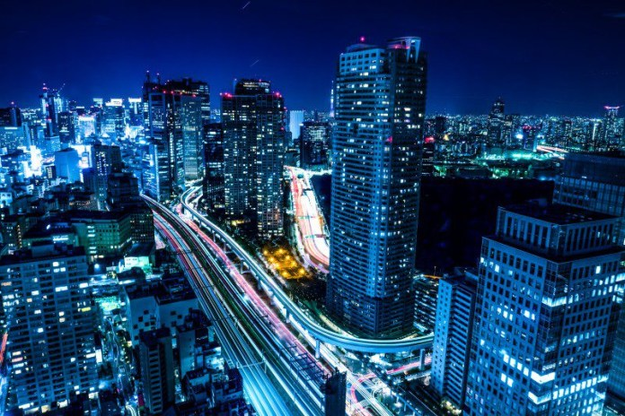 night shot in Hamamatsucho 2 Chome Tokyo Japan blue city urban high time lapse lighting cars blurred speed cryptocurrency pair trading forex cfd platform captial com