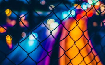 oscar-soderlund-unsplash-chain-colors-vivid-night-photography-blockchain-benefits-technology-distributed-ledger-cybercrime-prevention-tech