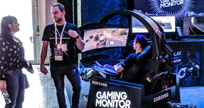 Samsung Curved Gaming Monitor Chair