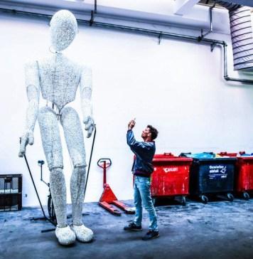 Gregor Fischer for republica ai arago da vinci sap operations itsm software automation solution health check agents service management news giant robot humanoid taking photo