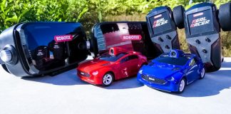 Real Racer Kobotix VR RC Cars Toys Virtual Reality Racing Red And Blue Controllers