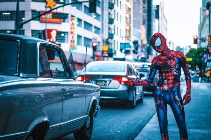 Spiderman Taking Cab Taxi Out Of Web City Urban Games Movies Online Casino Slots
