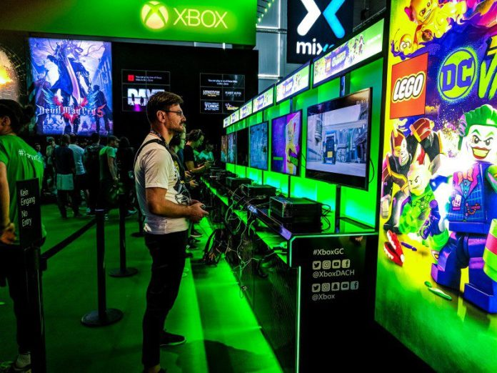 Xbox Ambassadors Event Booth Gamescom Cologne XboxGc Man Playing Gamer