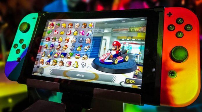 Mario Kart Nintendo Switch Controller Crop
