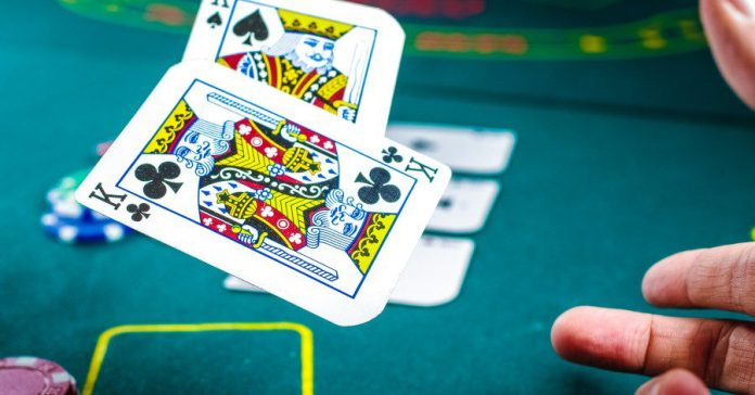 Two Kings Pair Poker Table Photo Pro Player