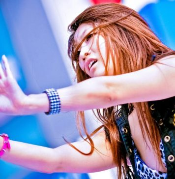 Augmenting Dance AI Entertainment Industry K-Pop Examples Avatars Guest Article Blog Post Women Dancing Stage